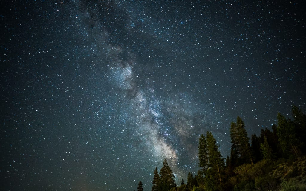 long-exposure-stars-milkyway