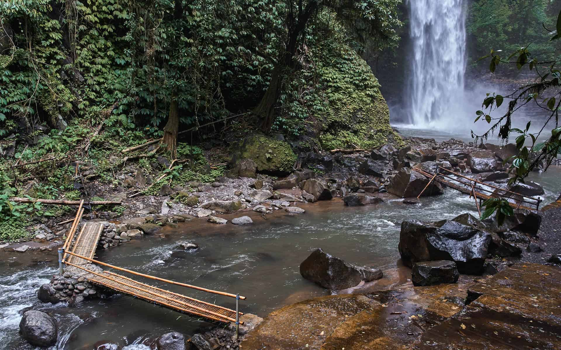 Nungnung-waterfall-bali-bamboo-bridge-blog