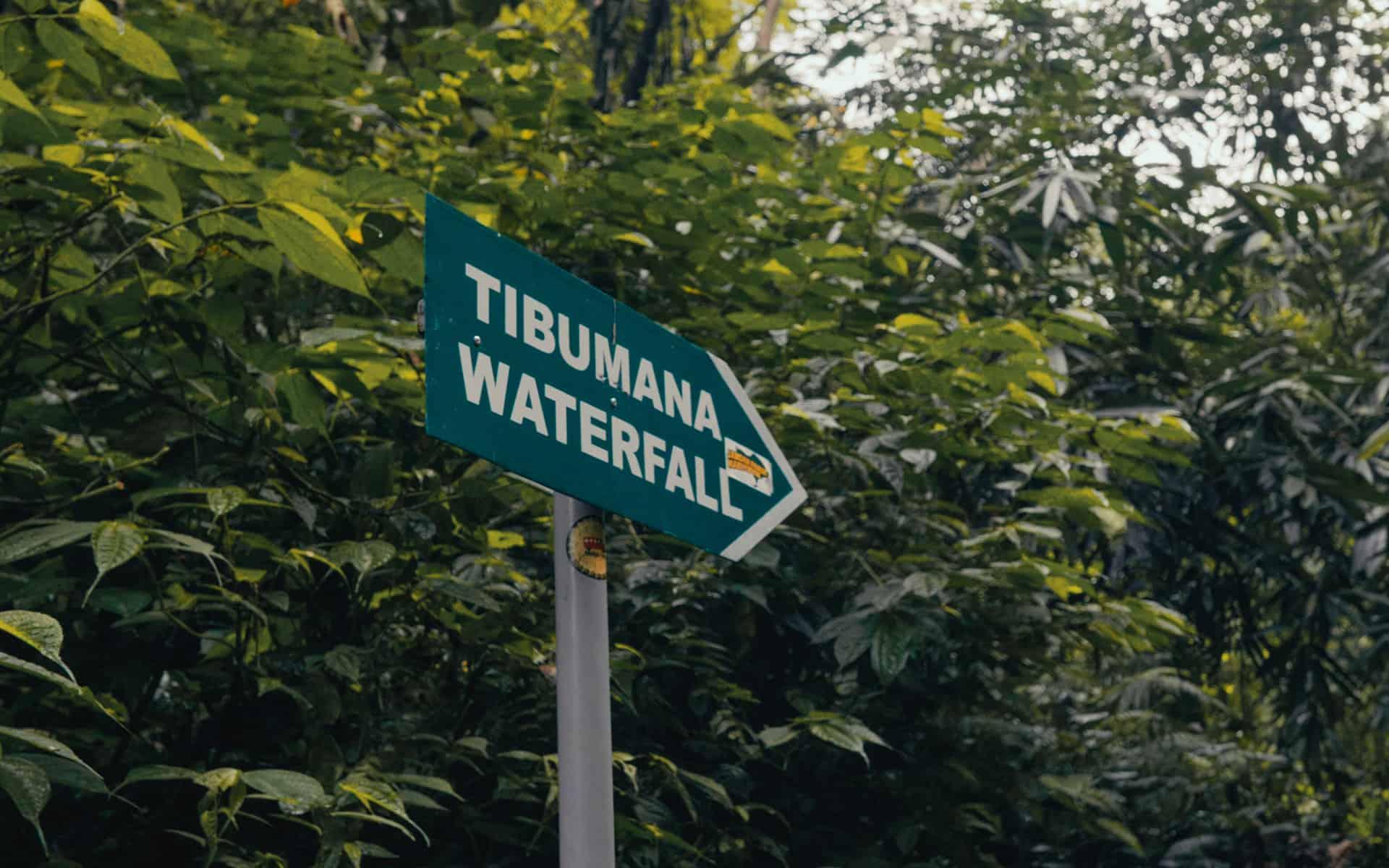 tibumana-waterfall-bali-sign