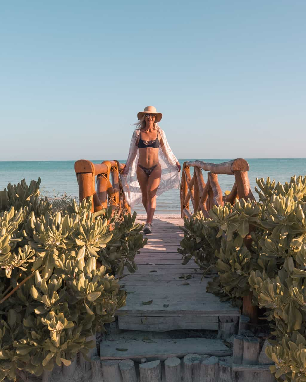 isla-holbox-mexico-wooden-bridge-ilse