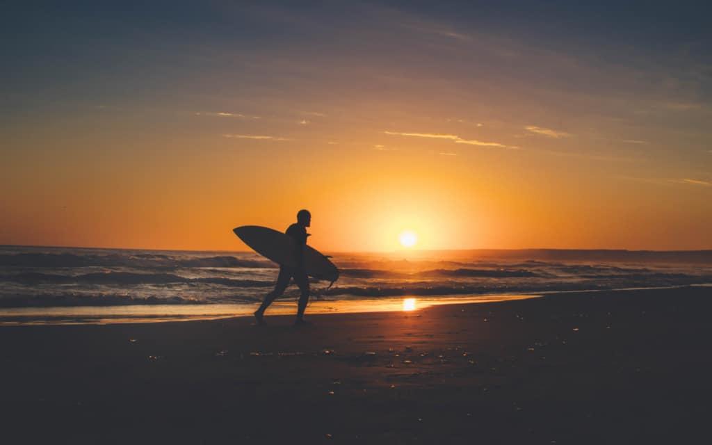 surfer-canggu-bali