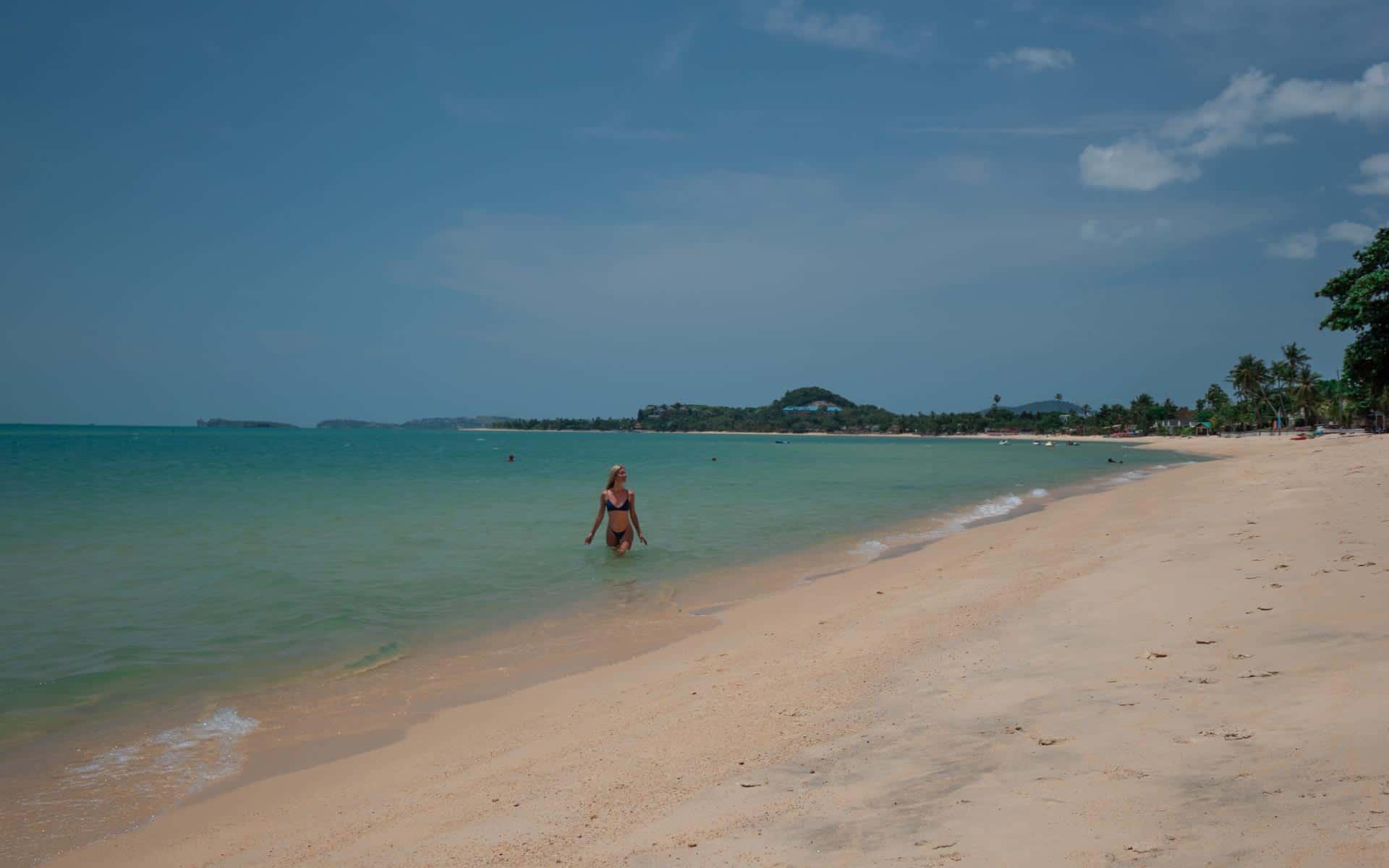 Maenam-beach-Koh-Samui