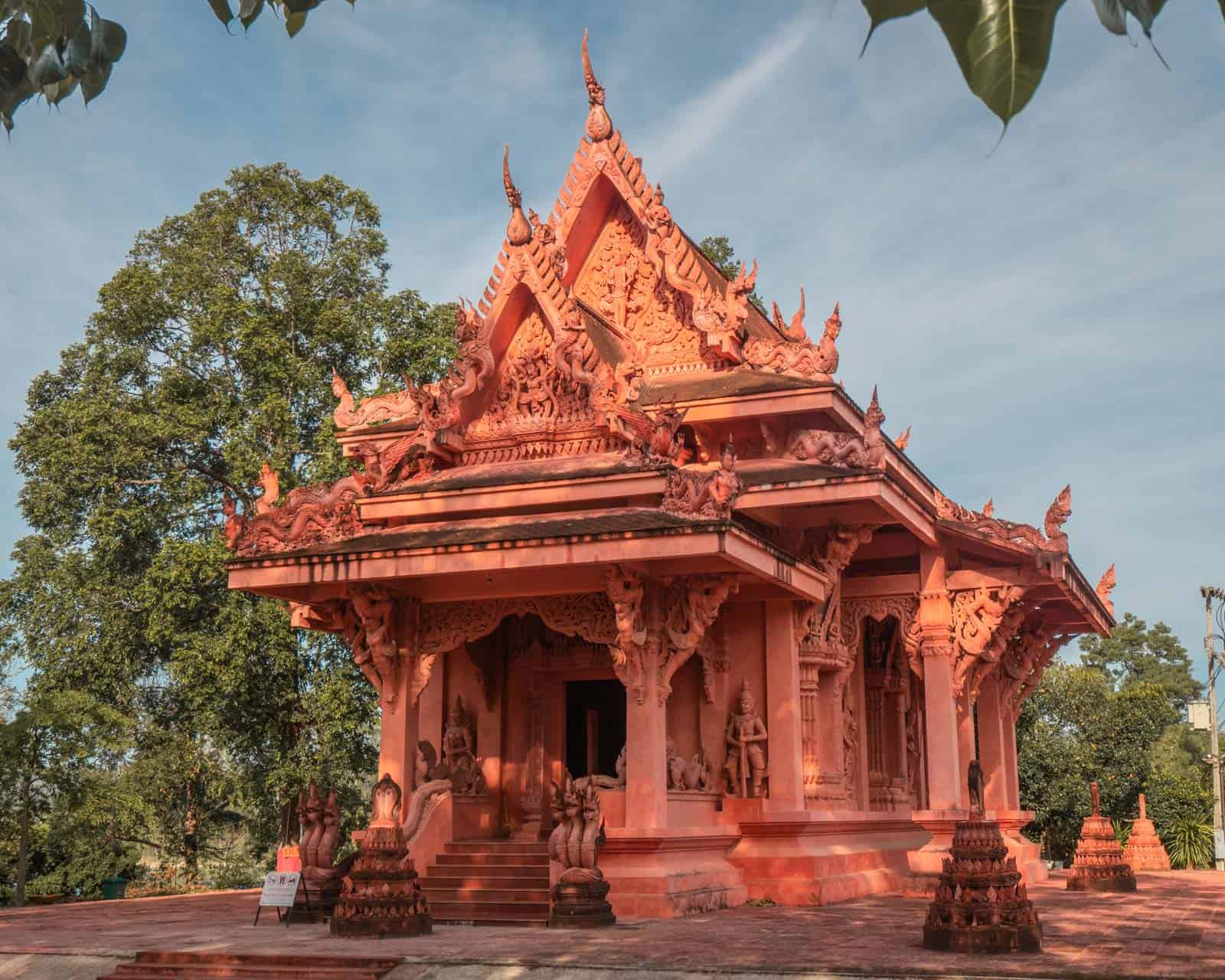 Wat-Ratchathammaram-temple-Koh-Samui