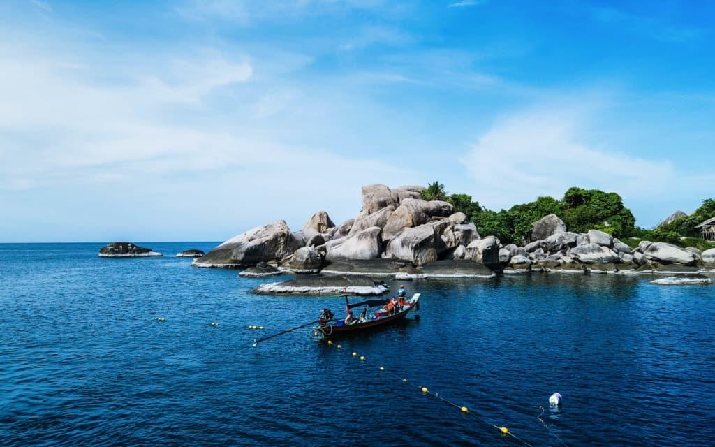 Koh-Nang-Yuan-island-boat