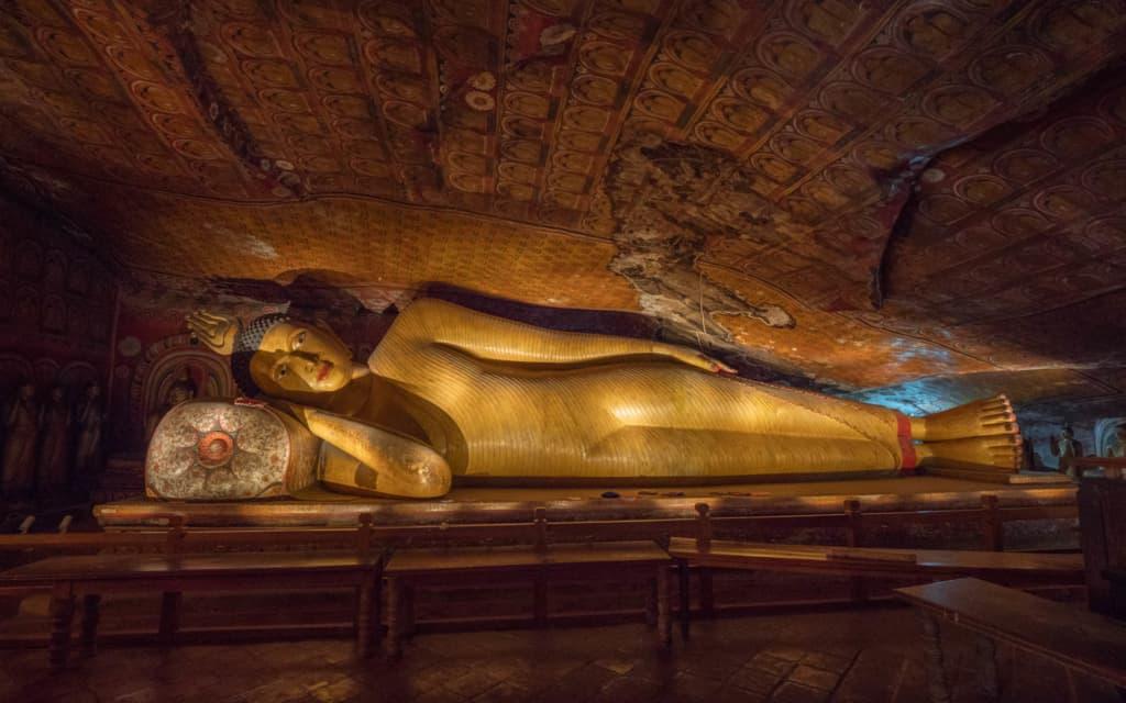 dambulla-cave-buddha