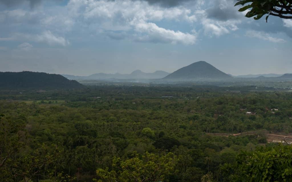 dambulla-cave-temple-view