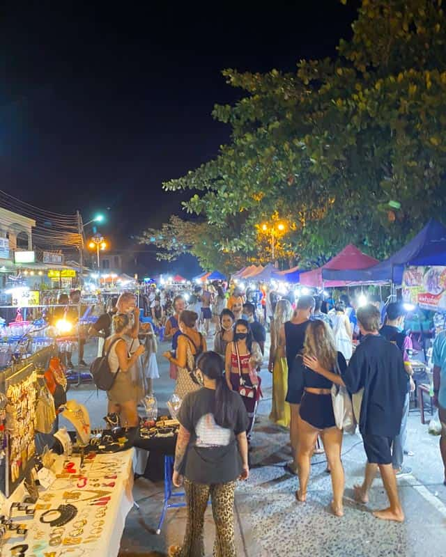 saturday-night-market-koh-phangan