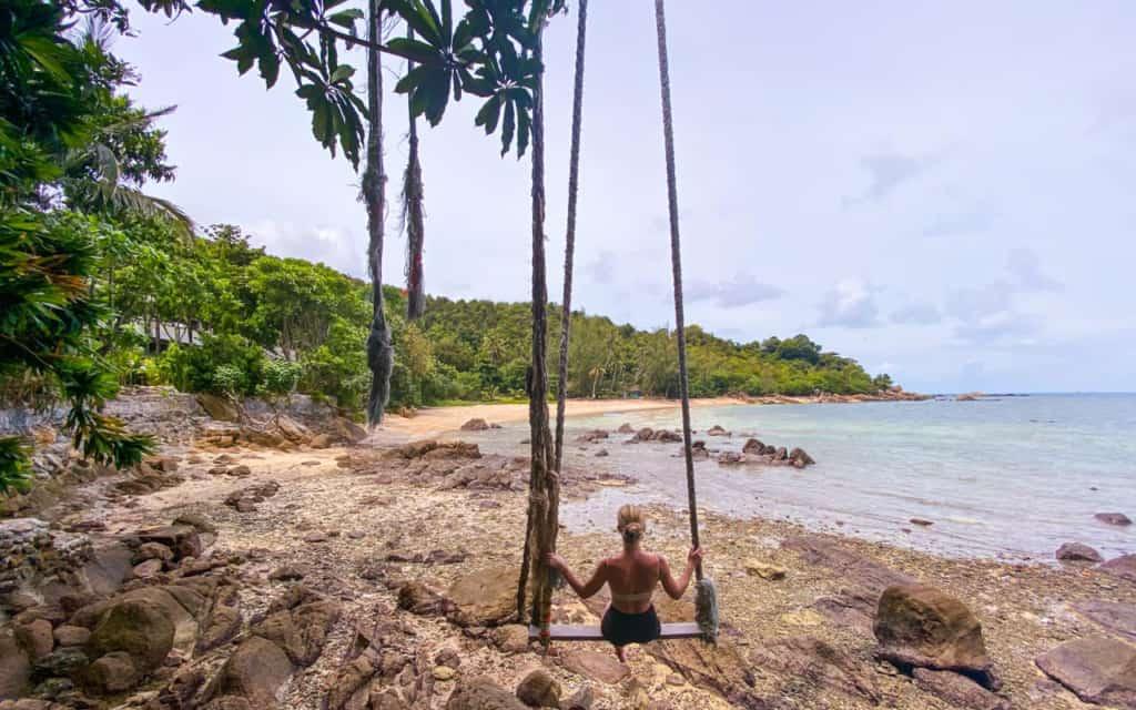 secret-beach-swing