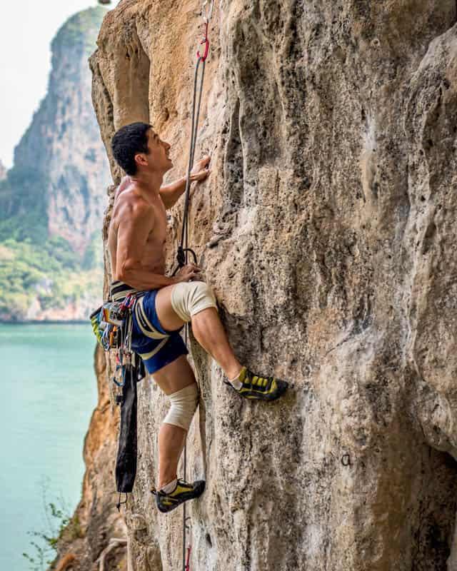 things-to-do-rock-climbing