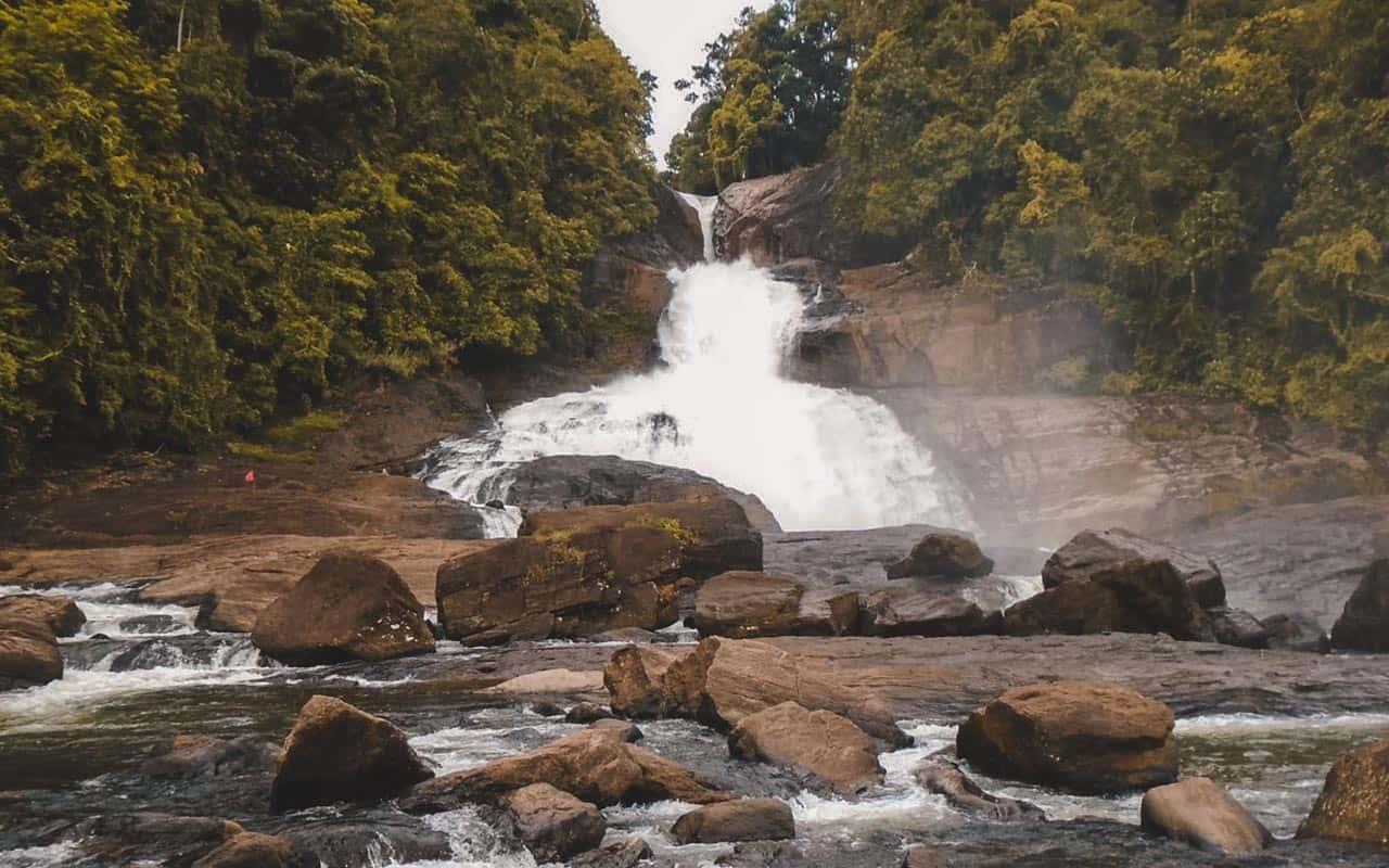 bopath-ella-falls-sri-lanka