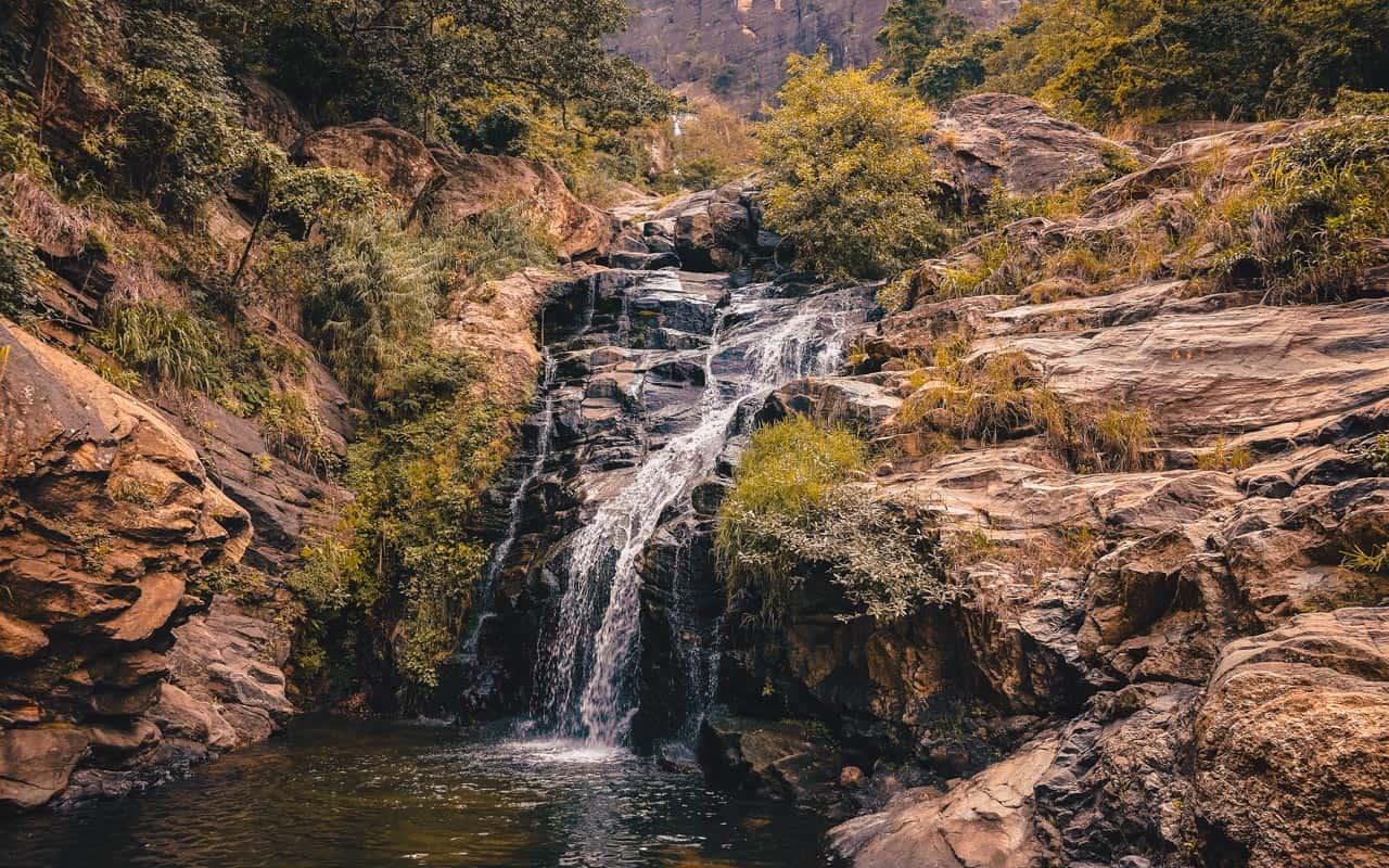 ravana-falls-sri-lanka-pool