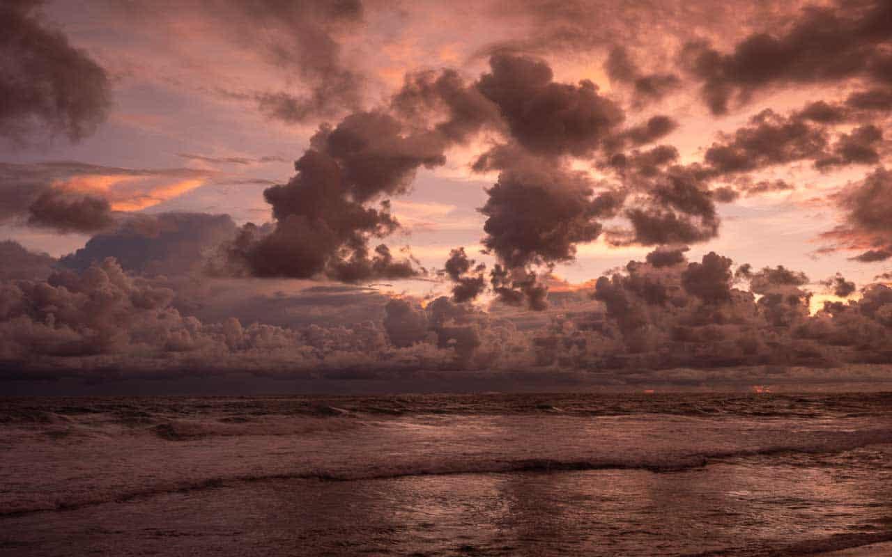 sunset-dalawella-beach-sri-lanka
