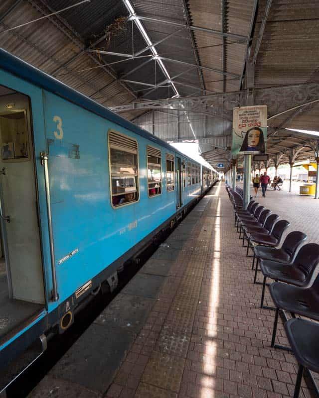 kandy-ella-train-station-view
