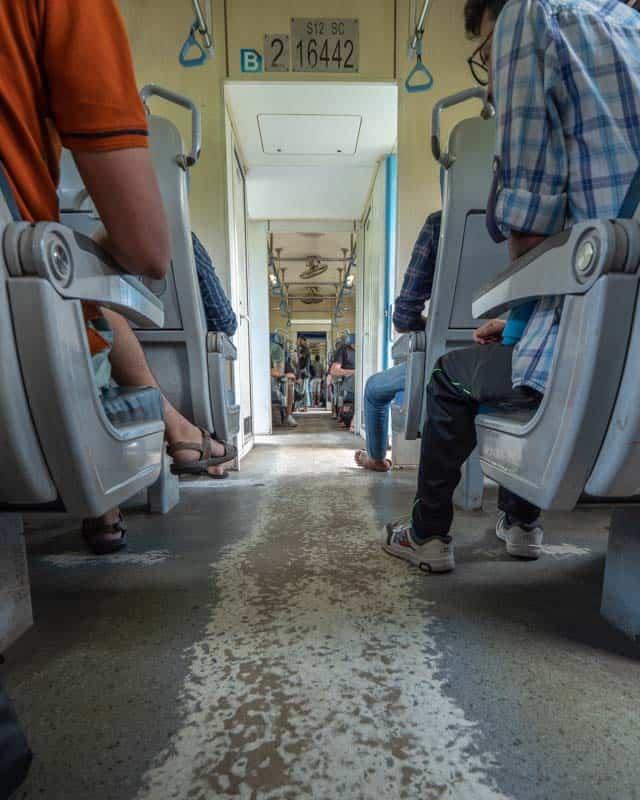 kandy-train-inside