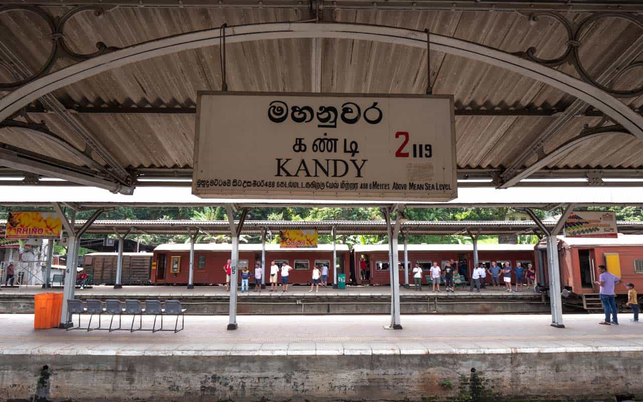 kandy-train-station