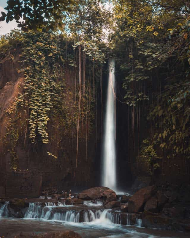 sumampan-waterfall-digitaltravelcouple