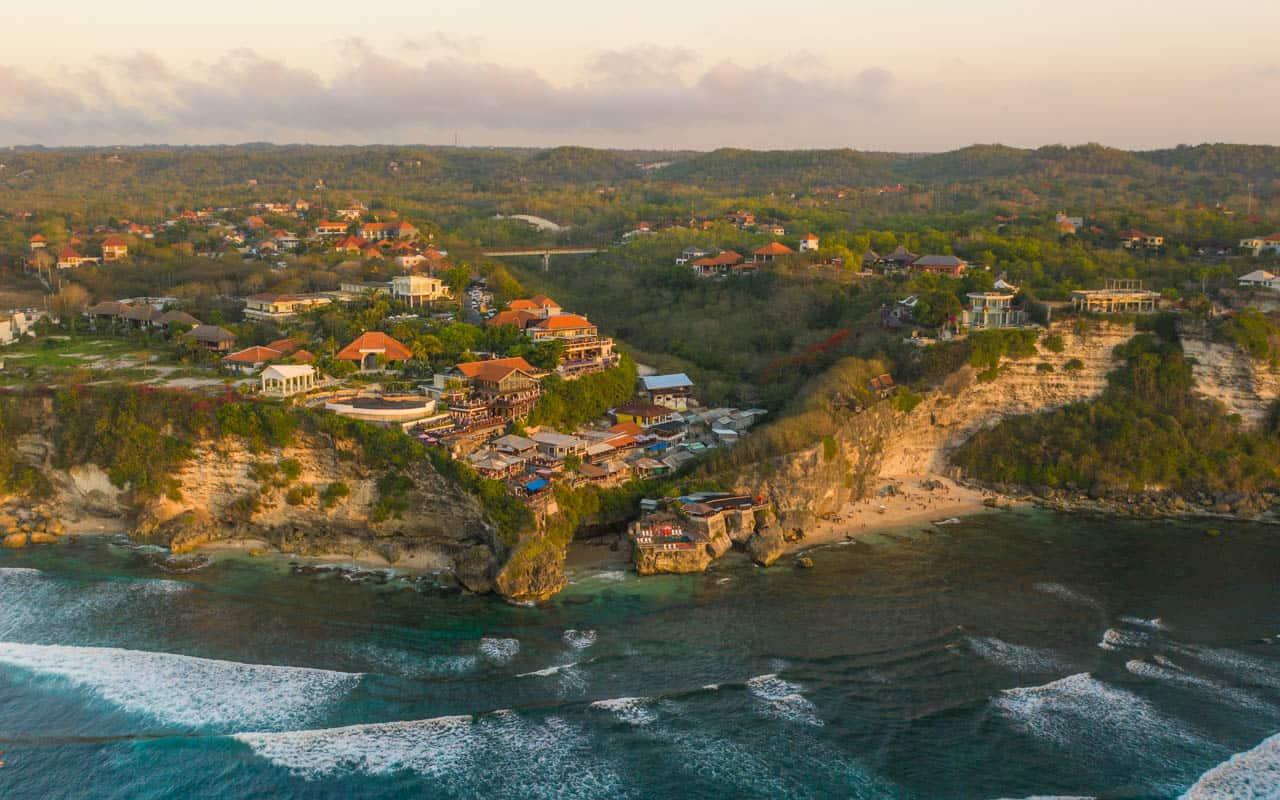 drone-uluwatu-beach-suluban