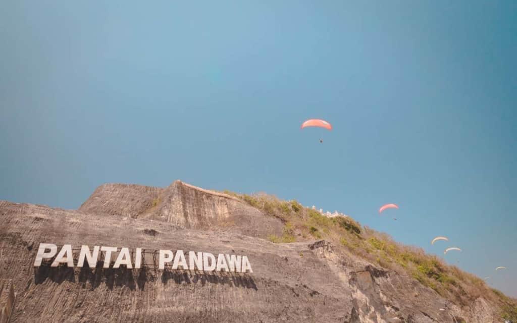 pandawa-beach-sign