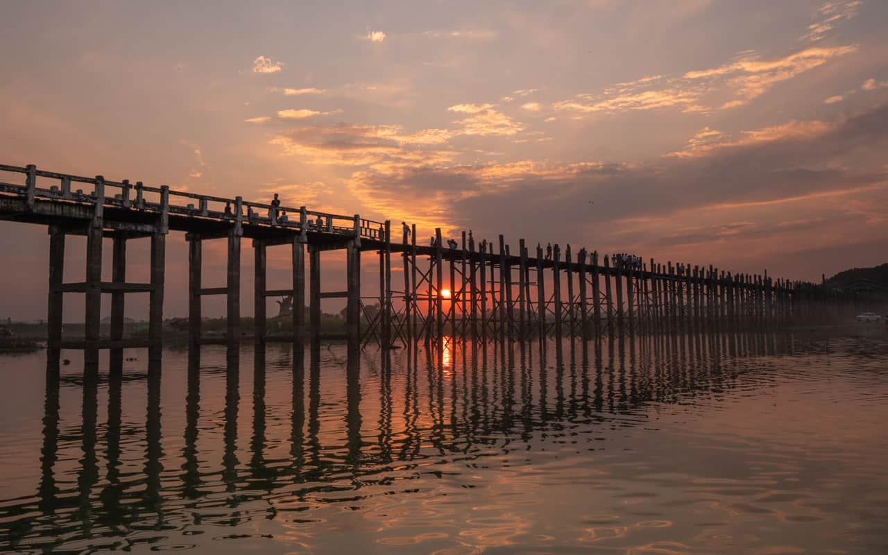 u-bein-bridge-sunset