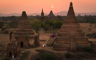 bagan-pagoda-myanmar-sunset
