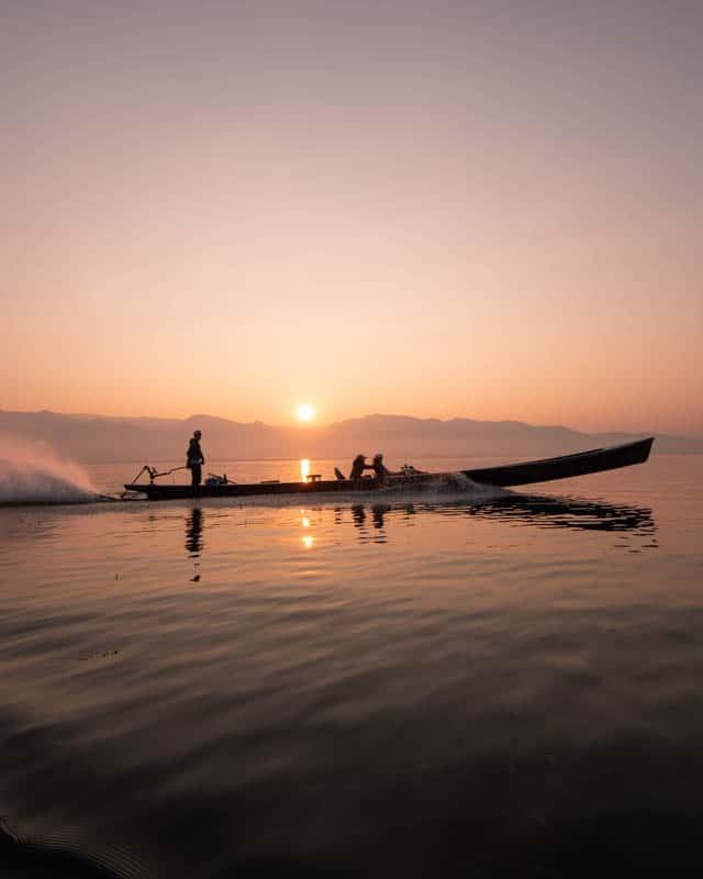 boat-sunrise-myanmar