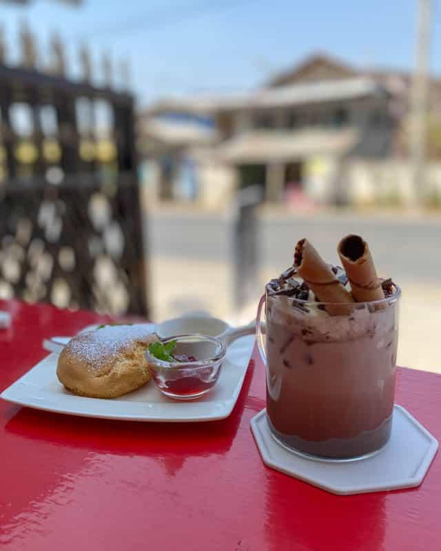 cafe-treats-Nyaungshwe