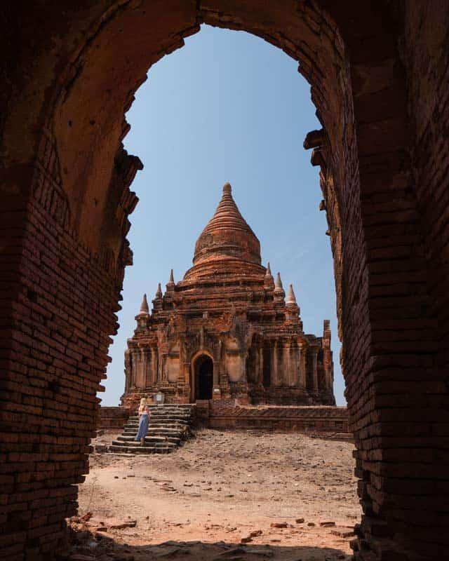 le-put-kan-pagoda-bagan-myanmar