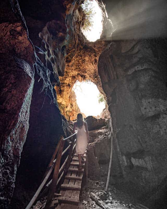 bat-cave-lombok-lightray-stairs