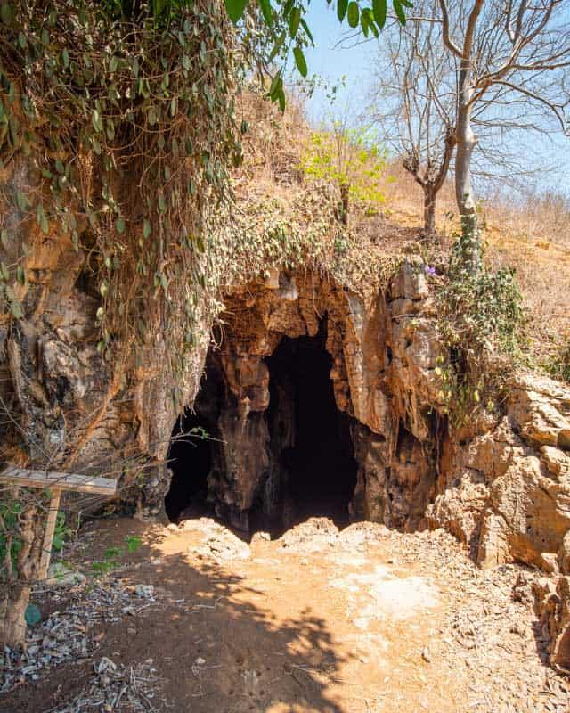 entrance-bat-cave-lombok