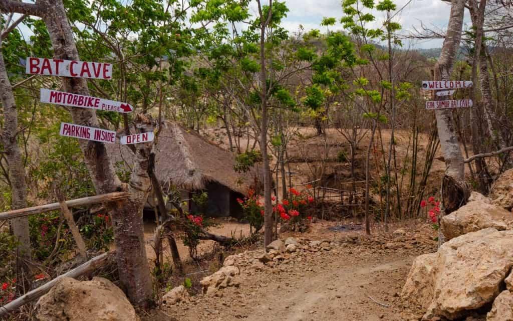 entrance-gua-sumur-lombok
