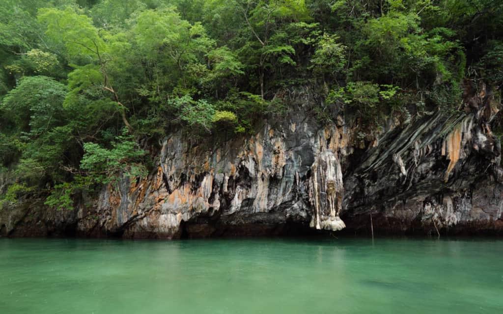 hong-island-lagoon-green