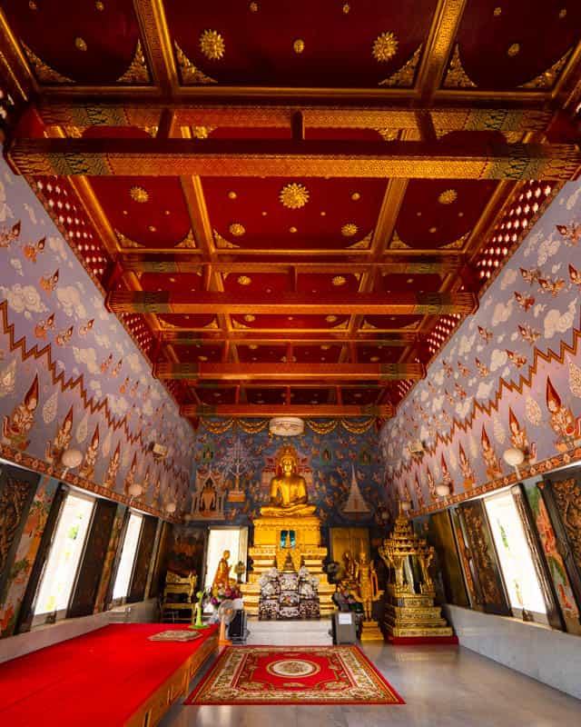 Wat-Kaew Korawaram-inside-