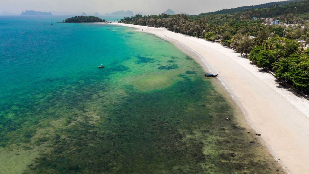 klong-muang-beach