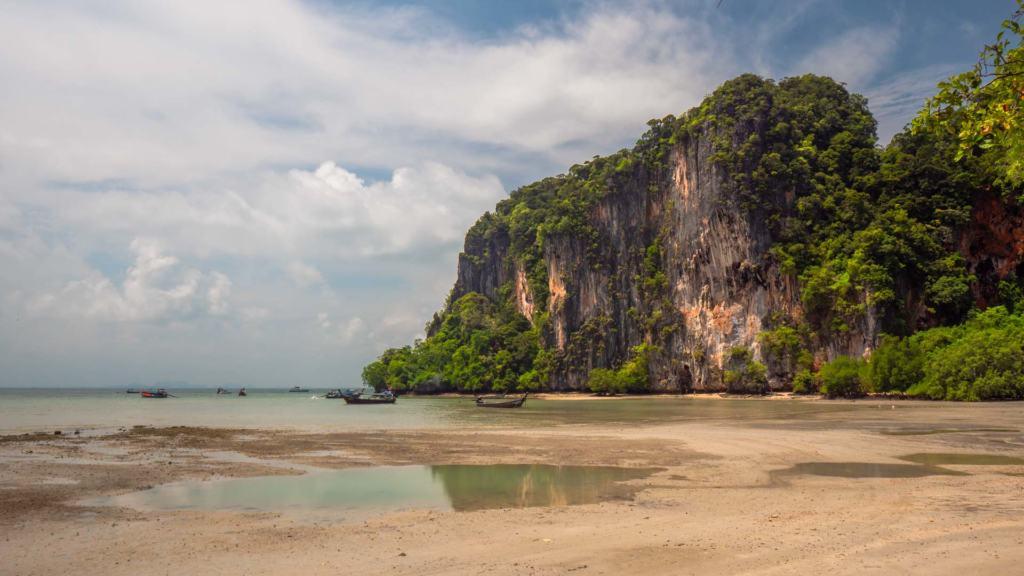 railay-beach-east