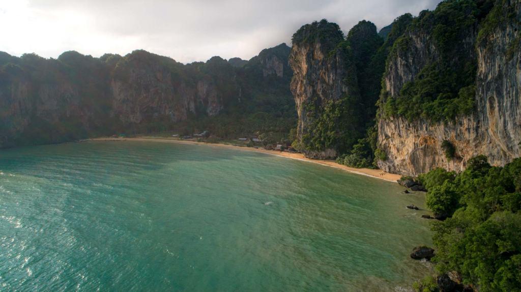 tonsai-beach-krabi