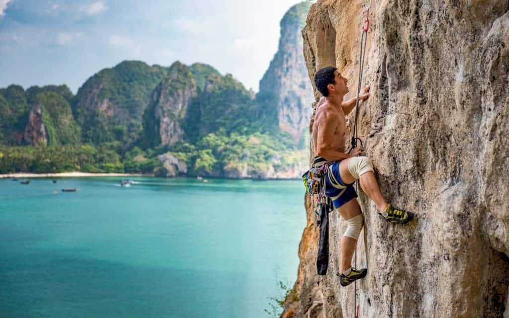tonsai-beach-rock-climbing
