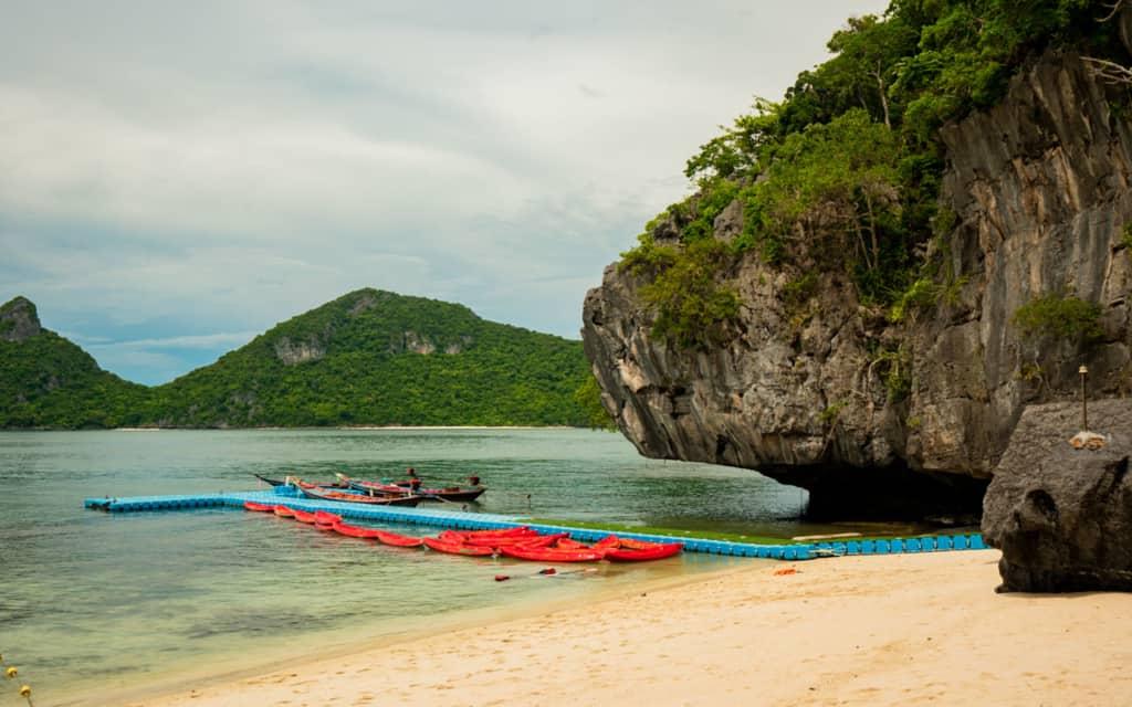 ang-thong-marine-park-beach-kayaks