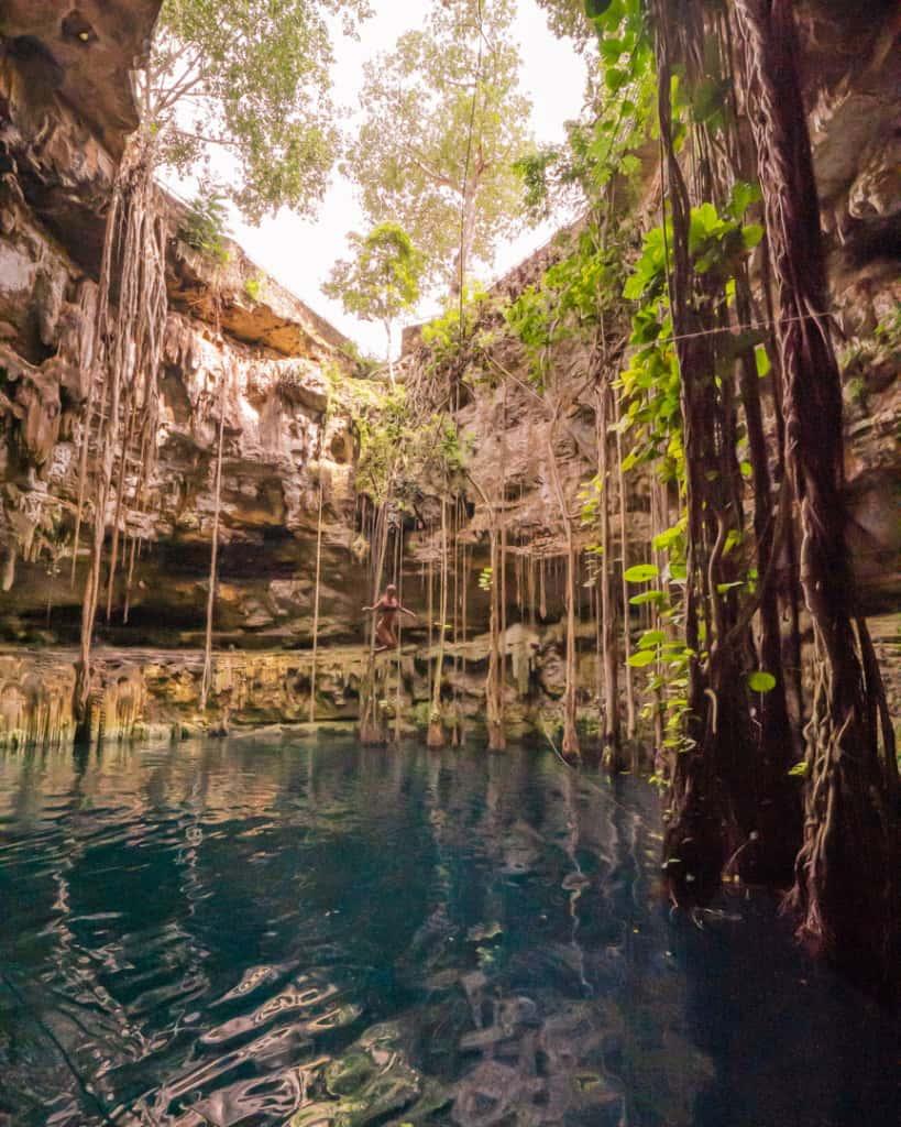 cenote-oxman-jump-swing