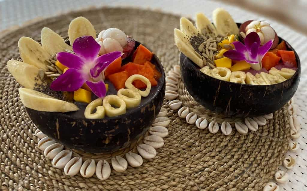 beach-coconut-bowls-koh-phangan-smoothiebowl