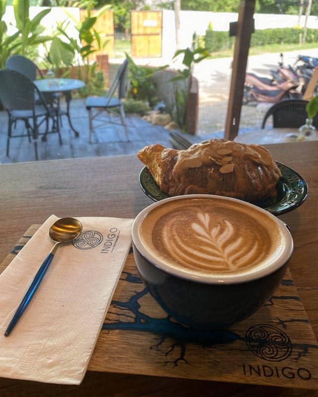 indigo-koh-phangan-coffee-croissant