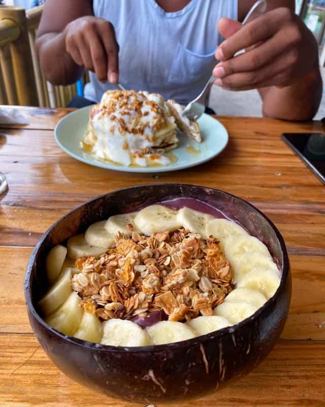 pura-vida-koh-phangan-food