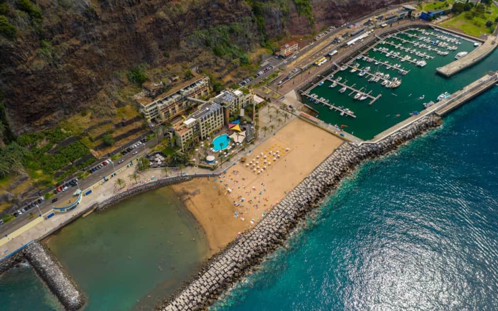 calheta-beach-harbour