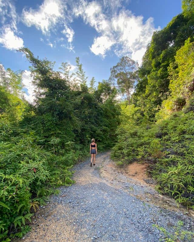 khao-ra-hike-start