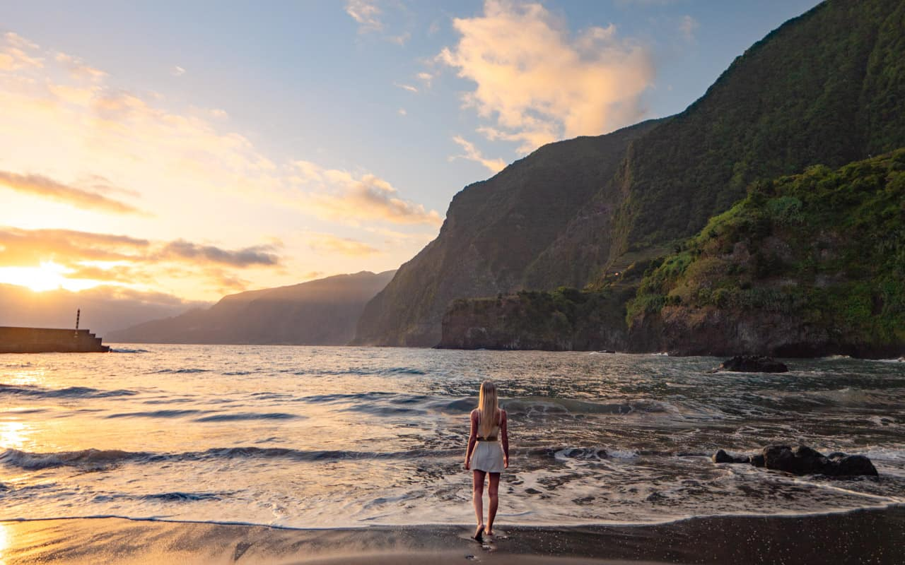 seixal-beach-sunrise-landscape