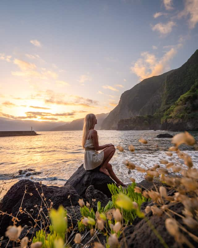 seixal-beach-sunrise-sitting