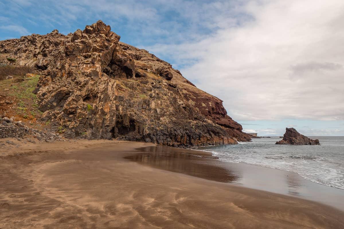 prainha-beach-madeira-rockformation-horizontal