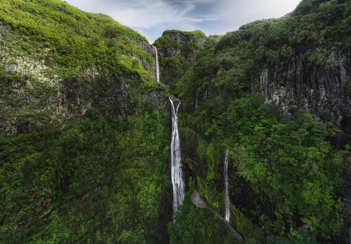 risco-waterfall-lagoa-do-vento-drone