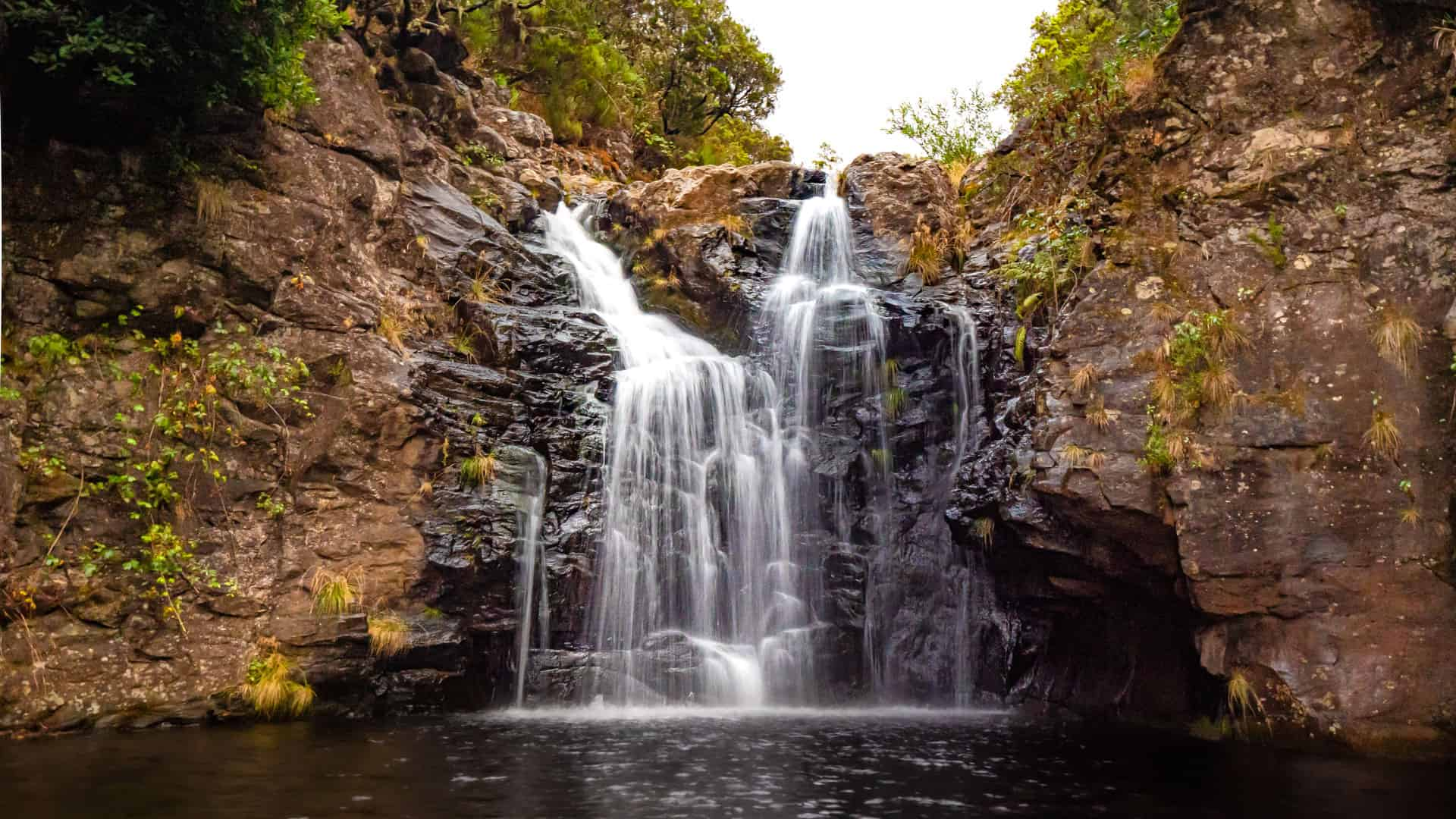 levada-do-alecrim-waterfall-slider