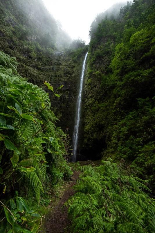 caldeirao-verde-waterfall-path