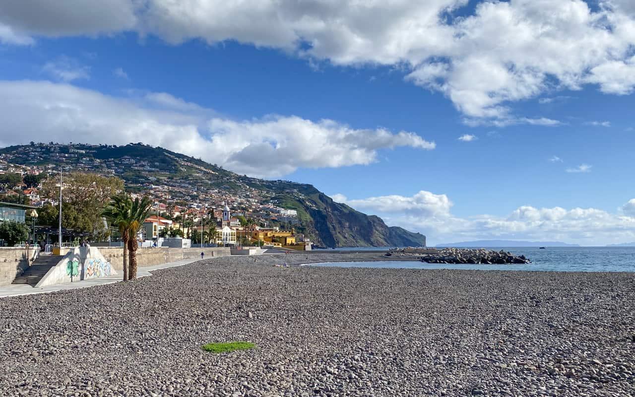 funchal-beaches-almirante-reis-beach
